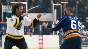 Liev Schreiber and Seann William Scott in 'Goon'